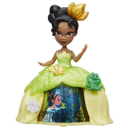 Кукла Hasbro Disney Princess Маленькое королевство Тиана в волшебном платье, 8 см, B8963 hasbro кукла одри светлые герои в платьях для коронации наследники disney