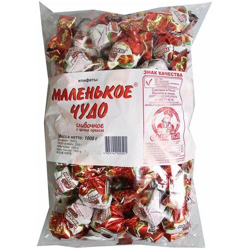 Конфеты Славянка Маленькое чудо, сливочное с целым орехом, пакет, 1 кг конфеты славянка фарс шоколадная нуга с желе и шариками пакет 1 кг