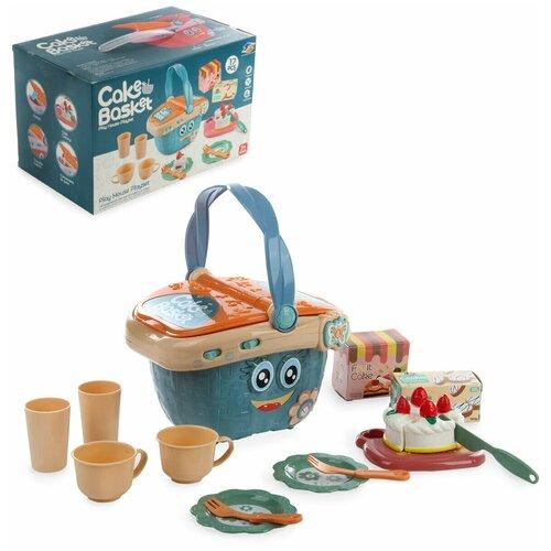 Набор посуды и продуктов в корзине