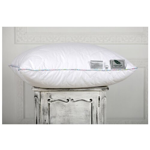 Подушка Flaum Home Country 50 х 70 см белый/голубой