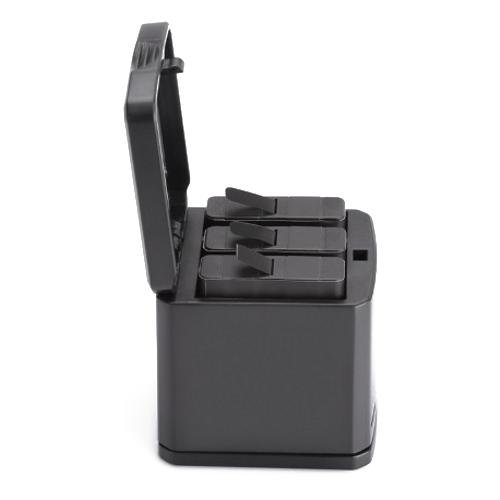 Фото - Зарядное устройство Telesin на 3 аккумулятора для GoPro HERO 8/7/6/5 черный telesin защелка с двумя креплениями для камер и аксессуаров черный