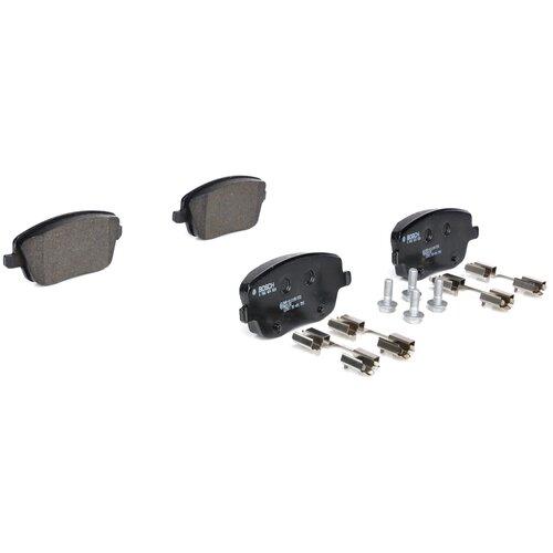 Дисковые тормозные колодки передние Bosch 0986424829 для Skoda, SEAT, Volkswagen (4 шт.) дисковые тормозные колодки передние bosch 0986494704 для skoda audi seat volkswagen 4 шт