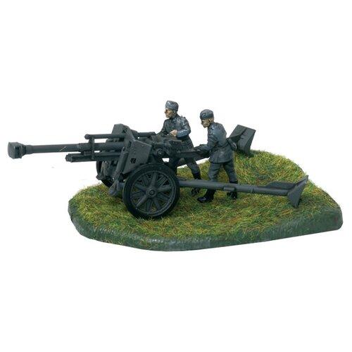 Фото - Сборная модель ZVEZDA Немецкая 105мм гаубица 18/18М с расчетом (6121) 1:72 сборная модель zvezda немецкая пехота в зимней форме 1941 1945 6198 1 72
