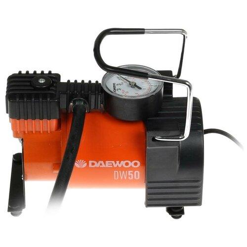 Фото - Автомобильный компрессор Daewoo Power Products DW50 черный/оранжевый пылесос автомобильный daewoo power products davc100 черный оранжевый