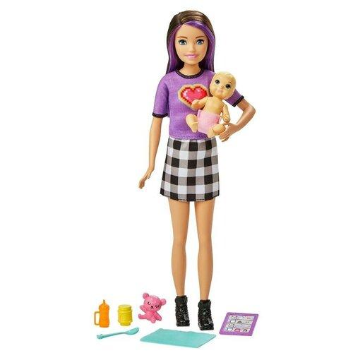 Фото - Набор Barbie Няня Скиппер, GRP11 кукла mattel barbie скиппер няня в клетчатой юбке с малышом и аксессуарами grp11