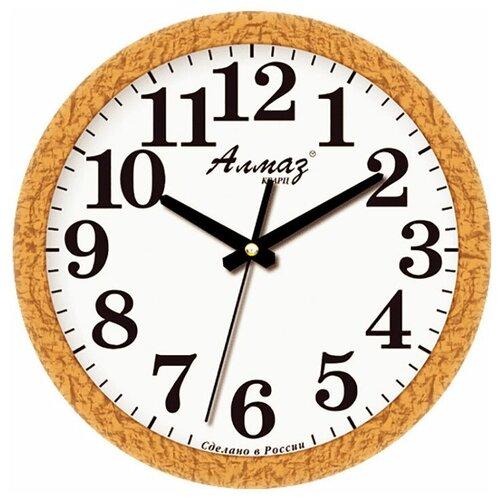 Фото - Часы настенные кварцевые Алмаз B18/B19 светло-коричневый/белый часы настенные кварцевые алмаз a87 коричневый белый