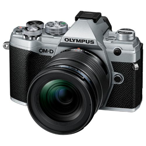 Фотоаппарат Olympus OM-D E-M5 Mark III Kit серебристый M.Zuiko Digital 12-45mm F/4