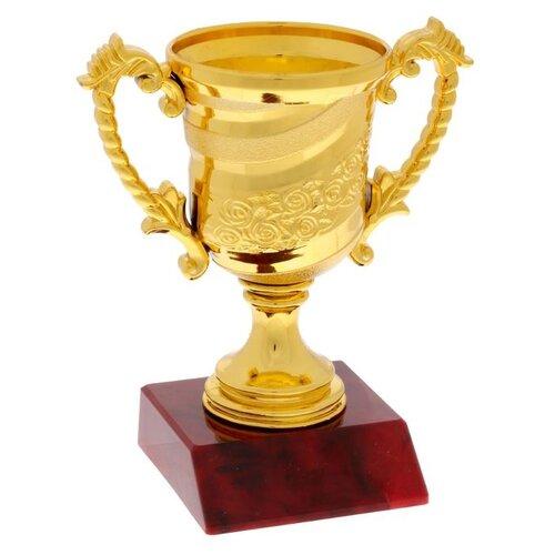 Кубок спортивный 105 цвет зол, 12.5 х 10,6 х 6,5 см 1823805 по цене 230