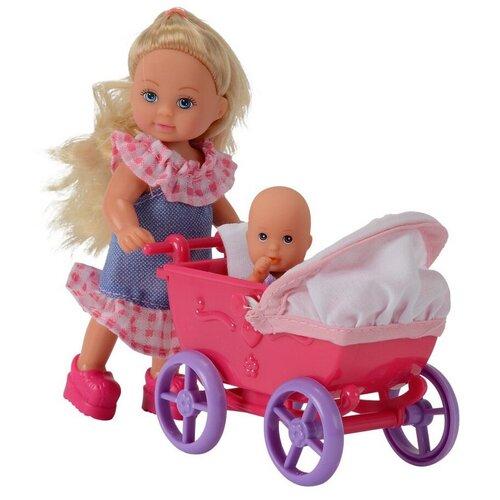 Фото - Набор кукол Simba Еви с малышом на прогулке (розовая коляска), 12 см, 5736241-2 набор кукол simba еви с малышом на прогулке розовая коляска 12 см 5736241 2