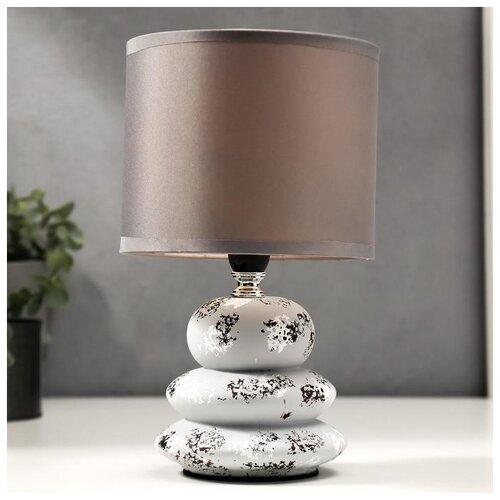 Лампа настольная Risalux 40 Вт, бело-серая, 15*15*26 см
