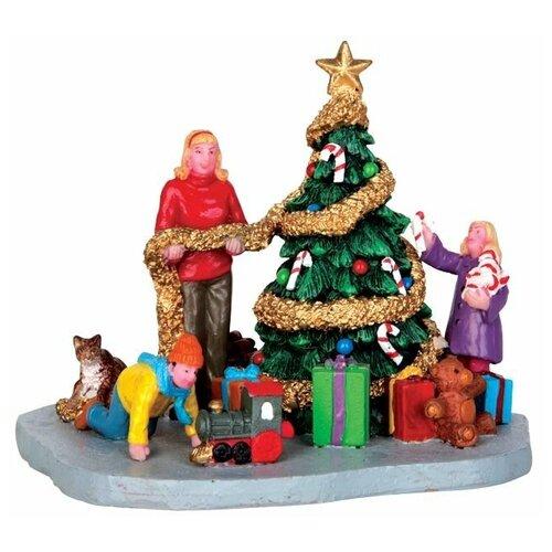 фигурка lemax платформа с рождественскими игрушками 10 4 x 18 x 10 см красный зеленый Фигурка LEMAX композиция Украшение елочки 10 х 11 х 10 см зеленый/красный/золотистый