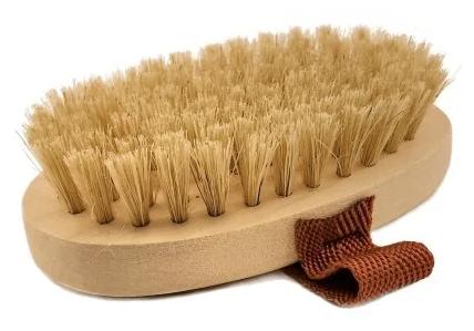 Щетка Великоустюгская кисте-щеточная фабрика для сухого массажа из щетины кабана с ремешком