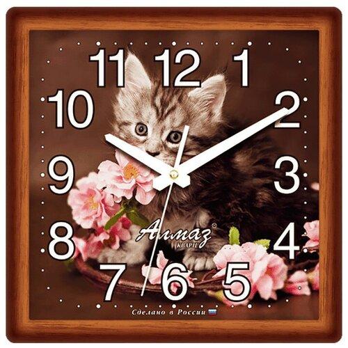 Фото - Часы настенные кварцевые Алмаз M25 темно-коричневый часы настенные кварцевые алмаз a87 коричневый белый