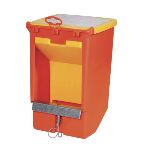 Бункерная односекционная кормушка для кроликов с крышкой и держателем для учетной карточки