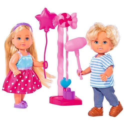 Фото - Набор кукол Simba Еви и Тимми на аттракционах 12 см 5738059 набор кукол simba еви с малышом на прогулке розовая коляска 12 см 5736241 2