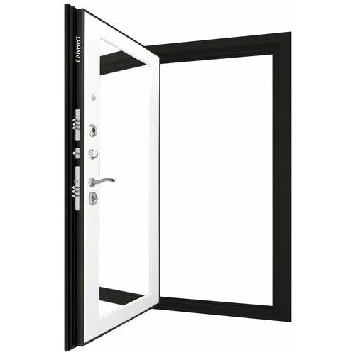 Дверь входная ГРАНИТ М8 Барк Комфорт в квартиру