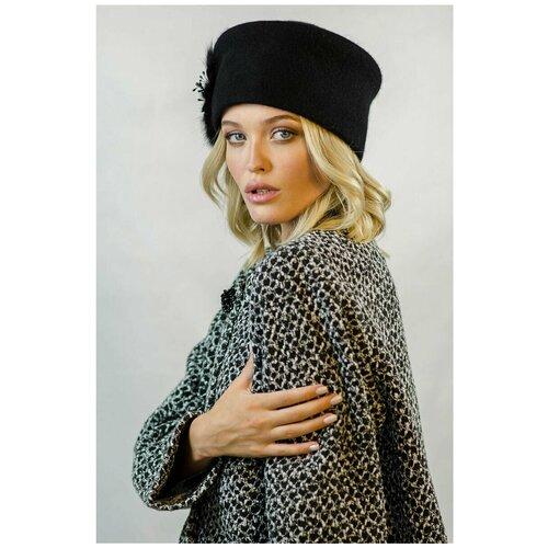 Женская кубанка с украшением из натурального песца / Женская шапка / Осеняя-зимняя шапка