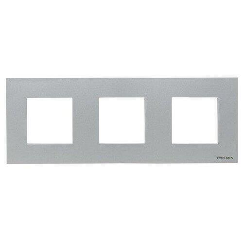 Рамка 3-постовая ABB Zenit серебро 2CLA227300N1301 рамка abb 4 постовая zenit антрацит