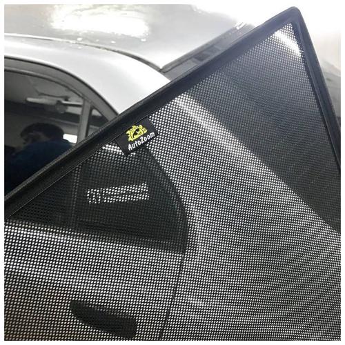Каркасные автошторки Autozoom на Toyota Hilux VIII (2015-н.в.), пикап., на передние двери.
