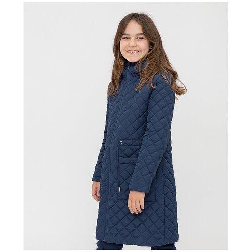 Купить Пальто синее с капюшоном Button Blue для девочек, цвет синий, размер 140, модель 221BBGS45011000, Пальто и плащи