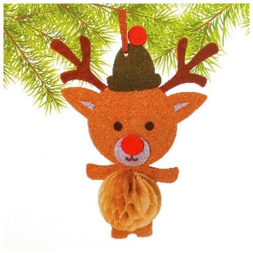 Набор для создания подвесной ёлочной игрушки из фетра и бумаги гофре «Олень в шапочке»