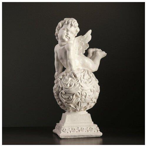 Фигура Ангел лежа на шаре 18х24х51см белый 3739313 фигура ангел спящий на шаре белый 15х19х40см 951205
