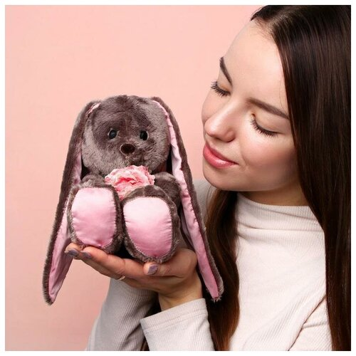 Зайки Li&Lu Мягкая игрушка «Li с розовыми цветами»