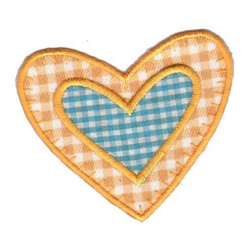 Фото - Термоаппликация HKM Сердечко в сердечке, 1 шт 5 х 3 см scb271028 металлическая подвеска сердечко белая ножка 9 см сердечко 5 3 см scrapberry s