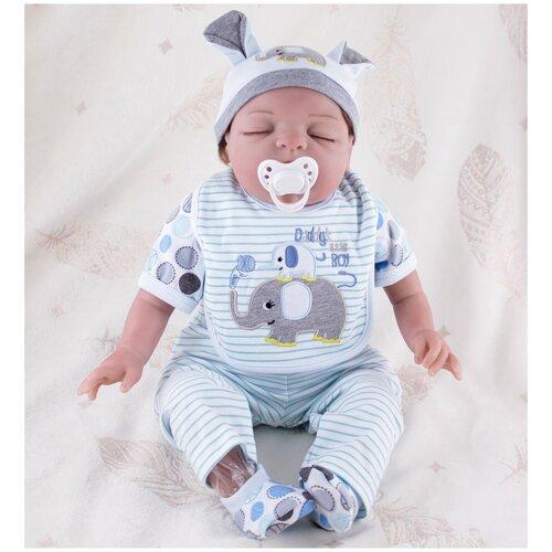Reborn Kaydora Кукла Реборн мягконабивная (Reborn Cloth Body Doll 22 inch) Мальчик в голубом ночном халате в шапке (56 см)