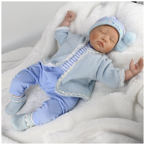 Reborn Kaydora Кукла Реборн мягконабивная (Reborn Cloth Body Doll 22 inch) Мальчик в голубом ночном халатике (56 см)