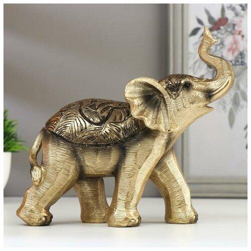 Сувенир полистоун Золотистый слонёнок с пальмовыми листьями на попоне 17,5х7х19 см 4767098