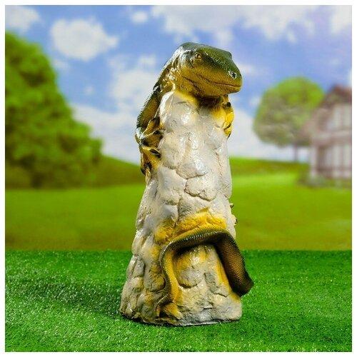 Садовая фигура Игуана на камне 38см 4237597 фигура игуана 23х46х27см бронза серебро