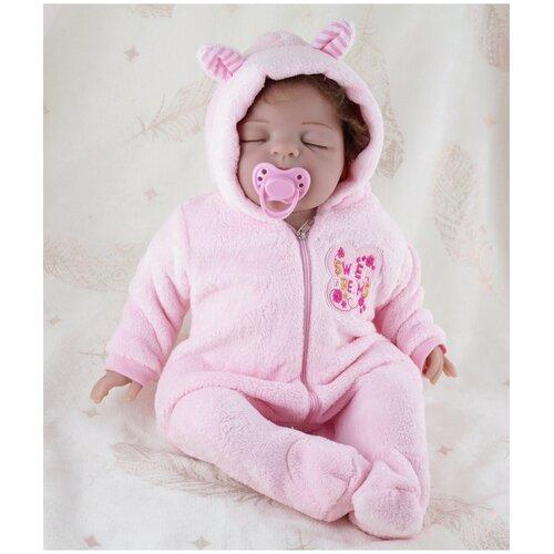 Reborn Kaydora Кукла Реборн мягконабивная (Reborn Cloth Body Doll 22 inch) Мальчик в розовом ночном халате (56 см)