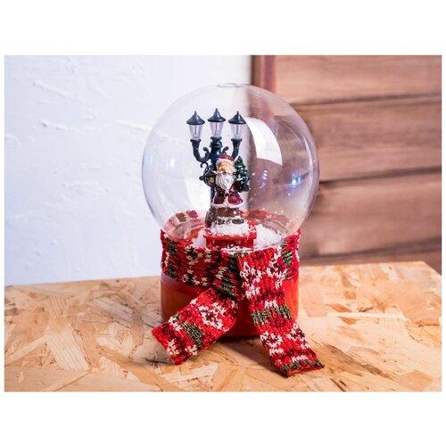 Снежный шар праздник В шарфике - санта, музыкальный, светящийся, 13.5x13.5x18 см, батарейки, Kaemingk 481959-санта