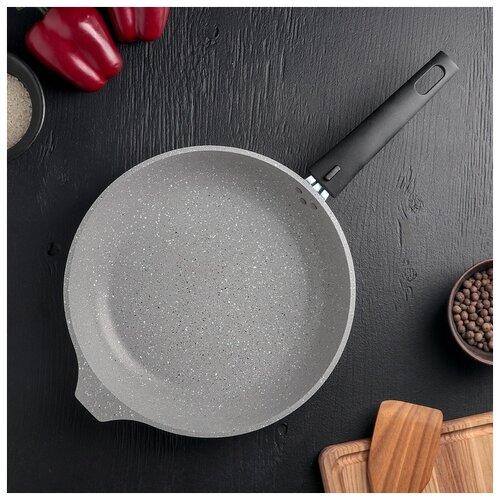 Сковорода Kukmara Светлый мрамор, d 26 см, антипригарное покрытие, съемная ручка, стеклянная крышка сковорода kukmara d 22 см съемная ручка антипригарное покрытие темный мрамор