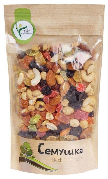 Смесь орехов, сухофруктов и цукатов Семушка орехи с цукатами 150 г