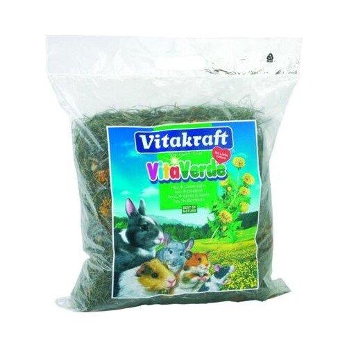 Сено Vitakraft VITA VERDE луговое с цветами одуванчика 0.5 кгСено, наполнители для птиц и грызунов<br>