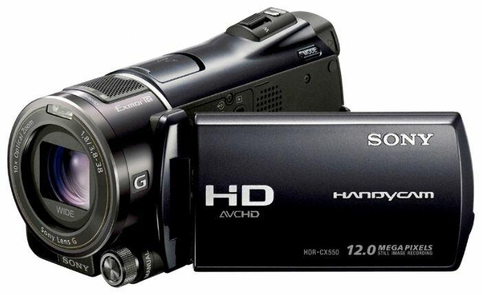 Сравнение с Sony HDR-CX550E