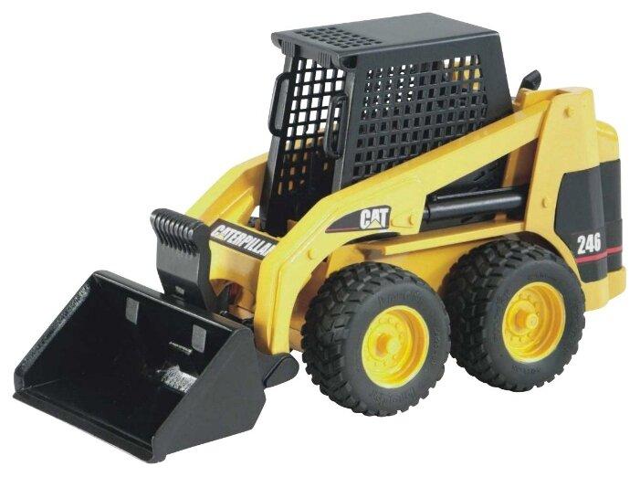 02-431 Колёсный погрузчик CAT мини с ковшом в коробке