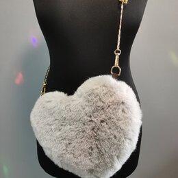 Клатчи - Меховая сумочка в виде Сердца серая, 0