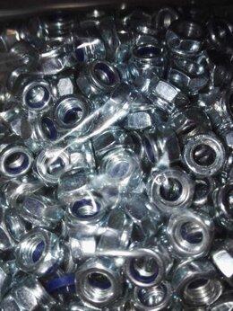 Шайбы и гайки - Гайка оцинкованная с нейлоновым кольцом DIN 985…, 0