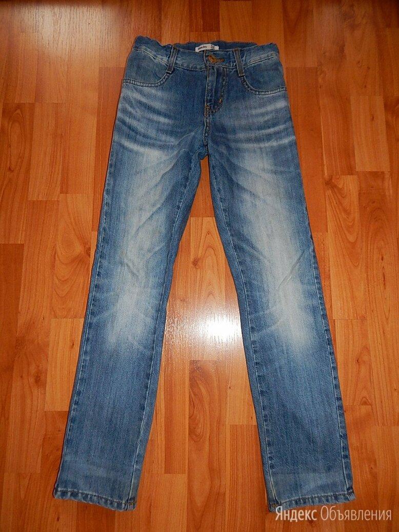 Джинсы Gloria Jeans р.134 по цене 500₽ - Джинсы, фото 0