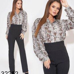 Костюмы - Костюм с блузкой и брюками , 0