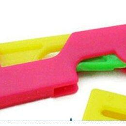 Рукоделие, поделки и сопутствующие товары - Продаю простое и удобное устройство вдевания нитки в иголку, 0
