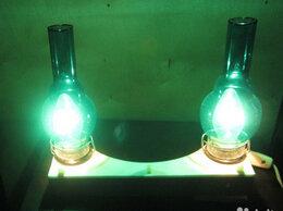 Настенно-потолочные светильники - Настенный светильник с зеленой подсветкой, 0