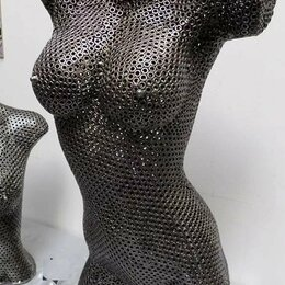 Статуэтки и фигурки - Фигура девушки из гаек, 0