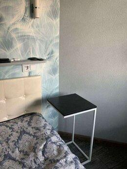 Столы и столики - Прикроватный столик, 0