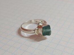 Кольца и перстни - Серебряное кольцо. Зелёный турмалин (верделит), 0