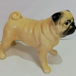 Статуэтки и фигурки - Фарфоровая статуэтка собака мопс, 0