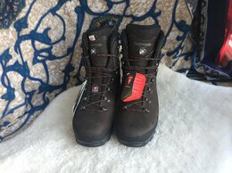 Обувь для спорта - Новые ботинки для восхождения Lowa, 0